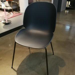 sedia gubi beetle dining chair nera galbiati milano design hub