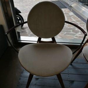 sedia overgaard Dyrman circle dining con braccioli galbiati milano design hub